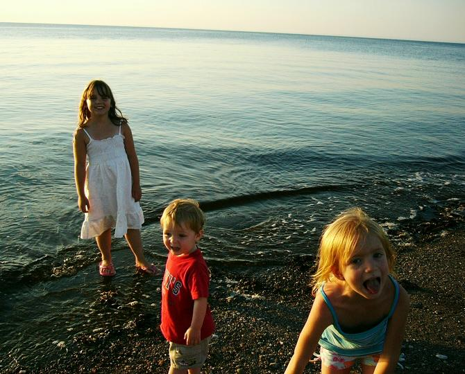 Cousins_On_A_Beach_In_Canada_2008