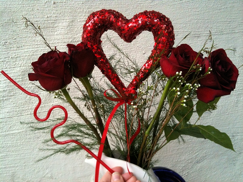 krazy_straw_with_roses