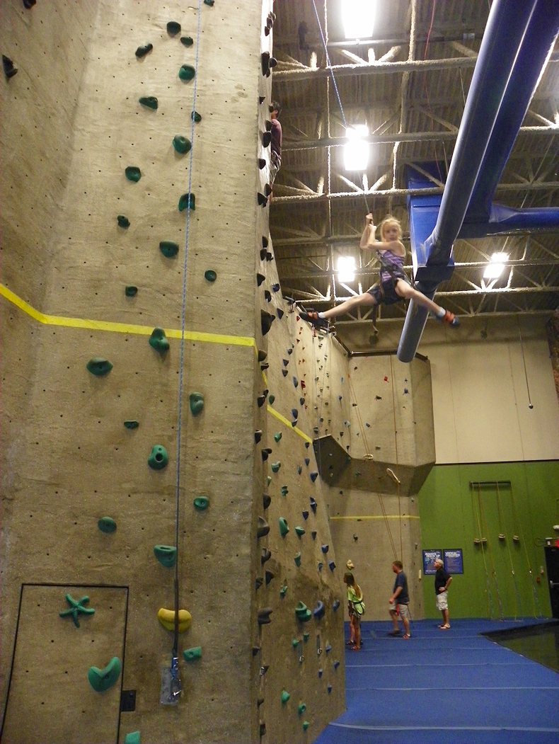 how_a_gymnast_rappels
